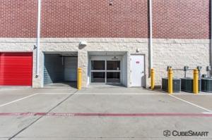 Picture 10 of CubeSmart Self Storage - Dallas - 5818 Lyndon B Johnson Fwy - FindStorageFast.com