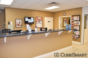 Image of CubeSmart Self Storage - Chattanooga - 1346 Hickory Valley Rd Facility on 1346 Hickory Valley Rd  in Chattanooga, TN - View 3