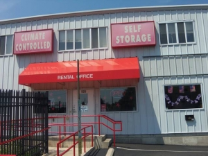 Photo of iStorage Burlington Mitchell Ave