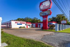 Image of Devon Self Storage - Seabrook Facility at 3018 Bayport Boulevard  Seabrook, TX