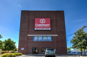 Image of CubeSmart Self Storage - Chicago - 3402 N Kedzie Ave Facility at 3402 N Kedzie Ave  Chicago, IL