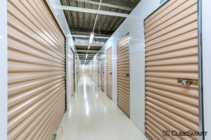 Image of CubeSmart Self Storage - Chicago - 3402 N Kedzie Ave Facility on 3402 N Kedzie Ave  in Chicago, IL - View 2