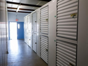 Storage Rentals of America - Hobe Sound - 8705 Southeast Federal Highway - Photo 5