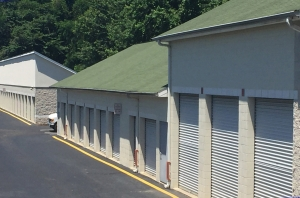 Image of Holly Hill Self Storage Facility on 3100 Holly Hill Rd  in Alexandria, VA - View 3