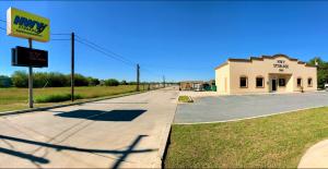 Hwy Storage - South Pharr - Photo 1