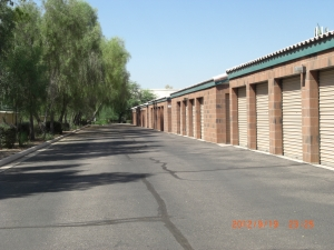 Image of StorQuest - Tempe/Warner Facility on 1835 E Warner Rd  in Tempe, AZ - View 2