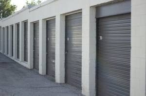 Image of Lone Star Self Storage Facility on 403 E Ben White Blvd  in Austin, TX - View 2