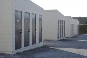 Image of Lone Star Self Storage Facility on 403 E Ben White Blvd  in Austin, TX - View 4