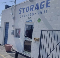 Image of Absolute Self Storage Facility on 8125 Maddox Street  in Dallas, TX - View 2