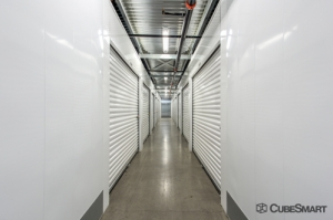 Image of CubeSmart Self Storage - Peoria - 14800 North 83rd Avenue Facility on 14800 North 83rd Avenue  in Peoria, AZ - View 2