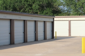 MaxSecure Storage - 5152 S Hydraulic St - Photo 2