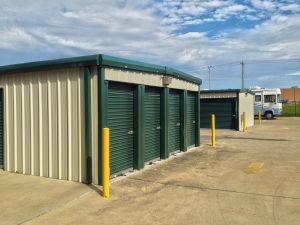 Easy Stop Storage - Sapulpa South - Photo 4