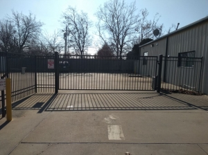 Easy Stop Storage - Sapulpa South - Photo 7