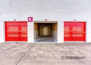 Image of CubeSmart Self Storage - Houston - 5400 Alder Drive Facility on 5400 Alder Drive  in Houston, TX - View 2