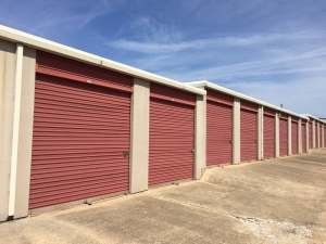 Lockaway Storage - New Boston Rd