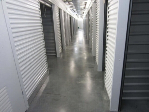 Image of Storage West - The Heights Facility on 1526 North Shepherd Drive  in Houston, TX - View 3