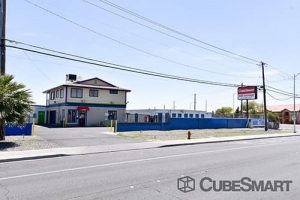 CubeSmart Self Storage - Las Vegas - 3360 N Las Vegas Blvd - Photo 2