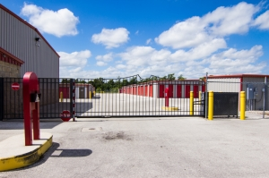 Storage King USA - Winter Haven - Dundee Rd - Photo 8