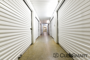 Image of CubeSmart Self Storage - Houston - 350 West Rankin Road Facility on 350 West Rankin Road  in Houston, TX - View 4