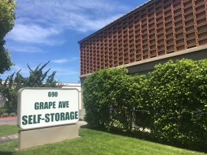 Picture of Grape Avenue Self Storage