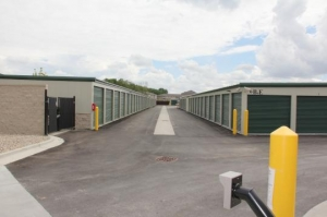 Amazon Self Storage - Brownsburg - Photo 3
