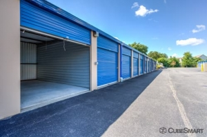 Image of CubeSmart Self Storage - Holbrook - 640 Broadway Avenue Facility on 640 Broadway Avenue  in Holbrook, NY - View 2