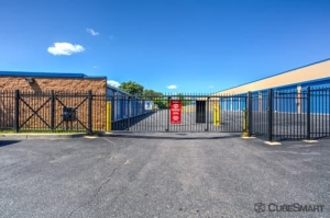 CubeSmart Self Storage - Holbrook - 640 Broadway Avenue - Photo 6