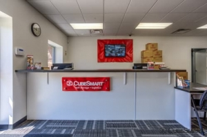 CubeSmart Self Storage - Holbrook - 640 Broadway Avenue - Photo 7