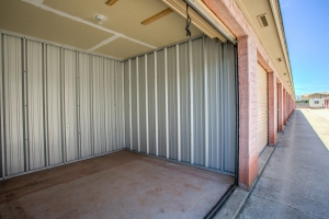 Simply Self Storage - 2900 NW Grand Boulevard - Nichols Hills - Photo 3