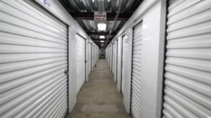 Life Storage - Los Angeles - East Slauson Avenue - Photo 4