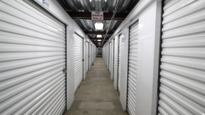 Life Storage - Los Angeles - East Slauson Avenue - Photo 4