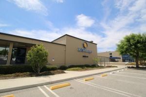 Image of Life Storage - Calabasas Facility on 5045 Old Scandia Lane  in Calabasas, CA - View 2
