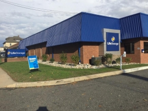 Image of Life Storage - Glenolden Facility on 407 Chester Pike  in Glenolden, PA - View 4
