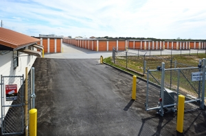 Image of Storage Zone - Davenport Facility on 2323 Holly Hill Tank Road  in Davenport, FL - View 3