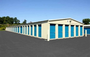 Image of RightSpace Storage - Londonderry2 Facility on 7 Mohawk Drive  in Londonderry, NH - View 4