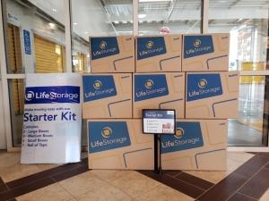 Image of Life Storage - Duarte Facility on 1727 Buena Vista Street  in Duarte, CA - View 2