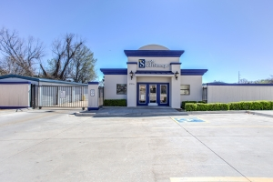 Simply Self Storage - Tulsa, OK - E 51st St