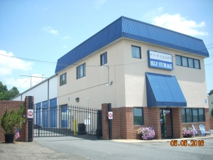 Image of Dumfries Self Storage Facility on 17625 Possum Point Rd  in Dumfries, VA - View 3
