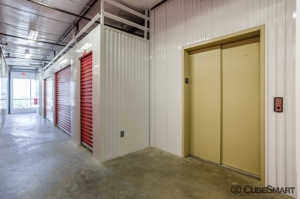 Image of CubeSmart Self Storage - Fort Worth - 2721 White Settlement Rd Facility on 2721 White Settlement Rd  in Fort Worth, TX - View 4