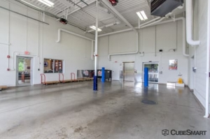 Image of CubeSmart Self Storage - Downers Grove Facility on 7910 Lemont Road  in Downers Grove, IL - View 4