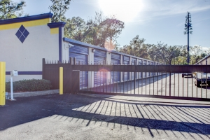 Simply Self Storage - 610 S Yonge Street - Ormond Beach - Photo 5