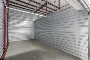 Image of Simply Self Storage - 555 North Olden Avenue - Trenton Facility on 555 North Olden Avenue  in Trenton, NJ - View 4