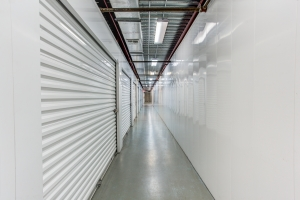 Simply Self Storage - 1035 Starwood Avenue - Valrico - Photo 5