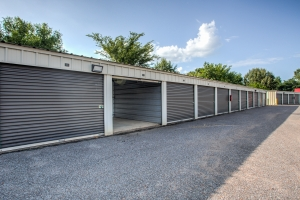Simply Self Storage - 6714 Winchester Pointe Cove - Memphis - Photo 6