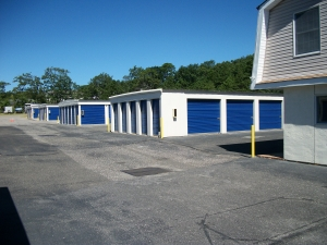 Lock and Leave Self Storage - Photo 8