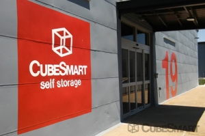 CubeSmart Self Storage - Richmond - 2601 Maury Street - Photo 4