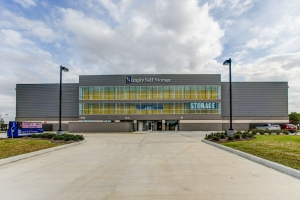 Image of Simply Self Storage - 650 Bay Area Blvd - Clear Lake Facility on 650 Bay Area Boulevard  in Houston, TX - View 2