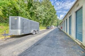 Image of Pleasantdale Storage of Doraville Facility on 2370 Pleasantdale Rd  in Doraville, GA - View 3