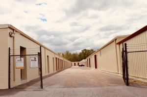 Dothan Lock Storage - Photo 22