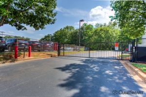 Image of CubeSmart Self Storage - Greenville - 2422 Laurens Rd Facility on 2422 Laurens Rd  in Greenville, SC - View 4